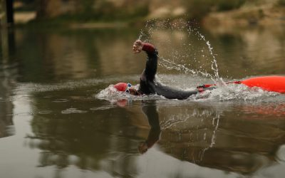Nadar con un neopreno: Guía para principiantes
